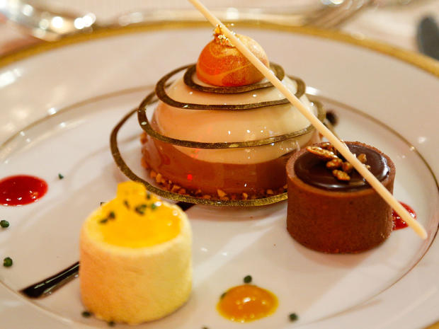 Chefs show off the 2013 Golden Globes menu