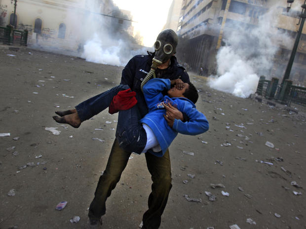 Riots mark 2nd anniv. of Egypt revolution