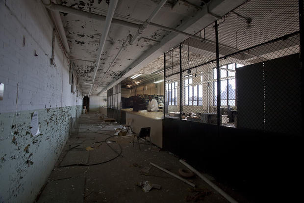 Detroit series reveals past life of city's ruins