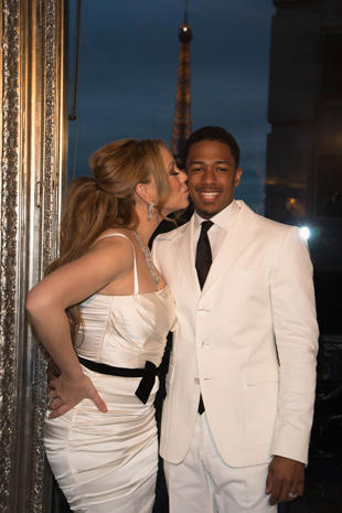 Valentine's Day: Celebrity kisses