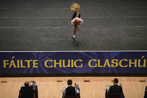 Colors and curls at the Irish Dance Championship