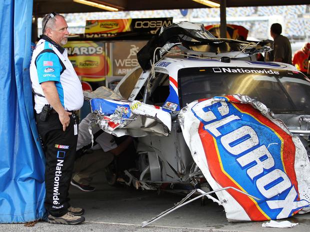 Daytona racecar loses control