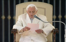 Pope Benedict XVI says farewell