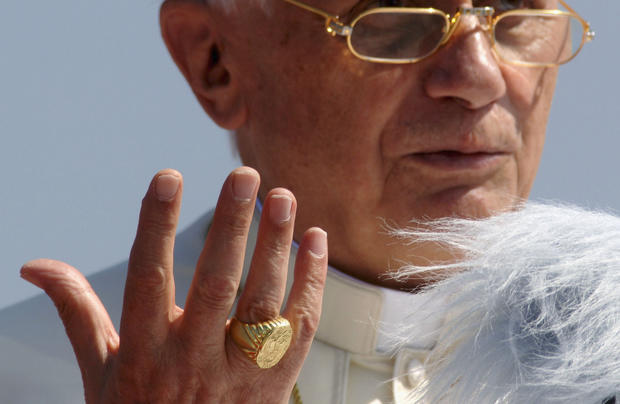 Catholic gold: Precious metal and the papacy