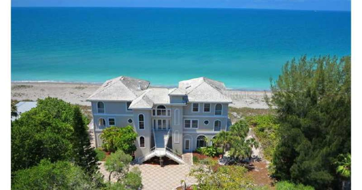 Mega mansions on sale for mega cheap cbs news for Cheap luxury homes for sale