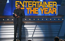 Luke Bryan wins entertainer of the year