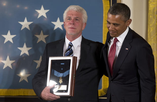 """Soldier's chaplain"" awarded Medal of Honor"