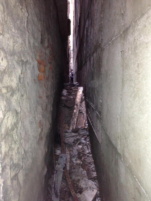 纽约警察局提供的这张照片显示,9/11号被发现的一架被劫持的飞机上的残骸被发现。