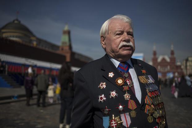 Soviet veterans celebrate Victory Day