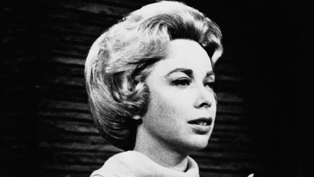 她的直播电台节目工作室的心理学家Dr.Joyce Brothers在1968年挽救了一起自杀事件。