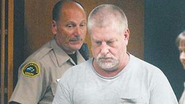Barry A. Swegle周一进入Clallam County高等法院。