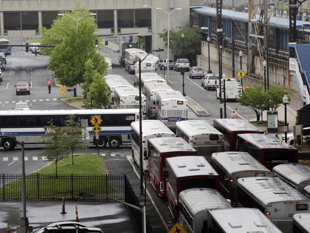 connecticut, train, derail, collision, buses, transport