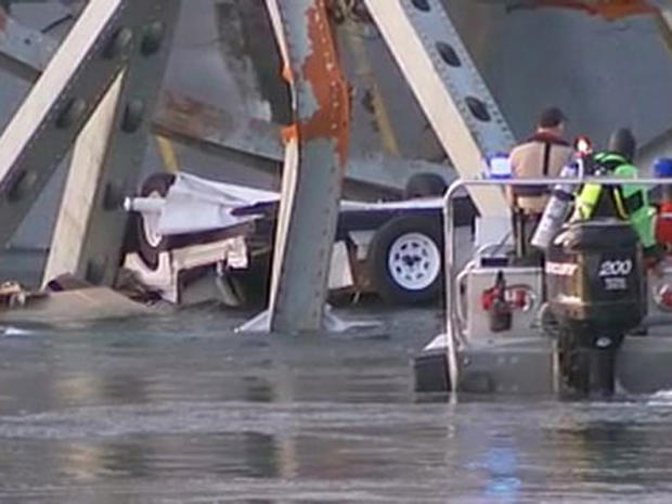 Washington state bridge collapses