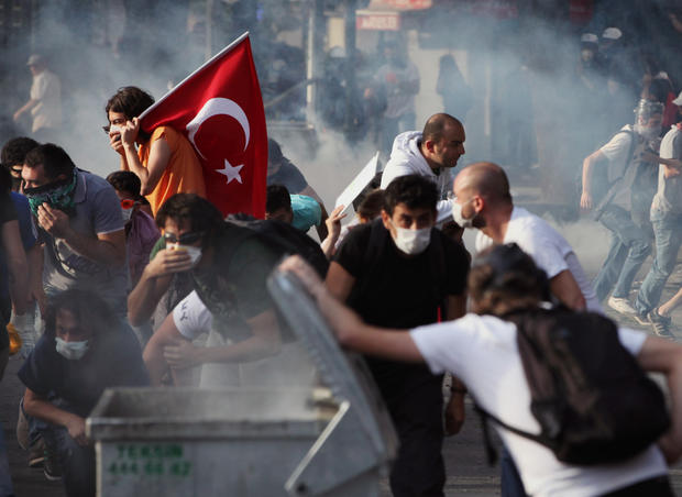 Young Turks clash with security forces in Ankara, Turkey