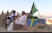 Brazilian artist makes Pope sand sculpture