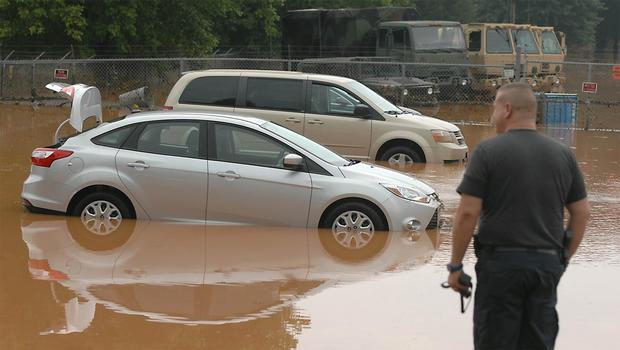 2013年7月28日星期日,大雨导致北卡罗来纳州大规模洪水泛滥。