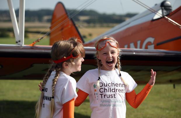9-year-old daredevils set wingwalking record