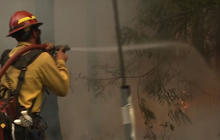 Western wildfire: Flames spread into Yosemite National Park