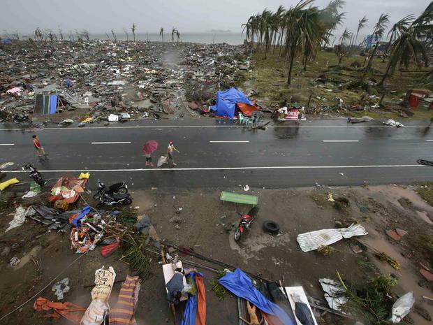 Powerful typhoon slams Philippines