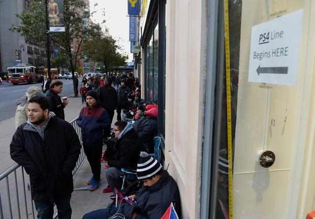 Fans line up for PlayStation 4 launch
