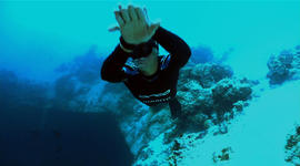 Death-defying free dives push boundaries