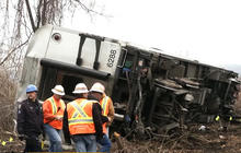 Derailed train engineer says brakes didn't work