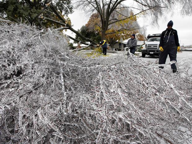 Ice storm freezes Texas, South