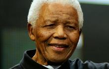 Mandela family prepares to bury their patriarch