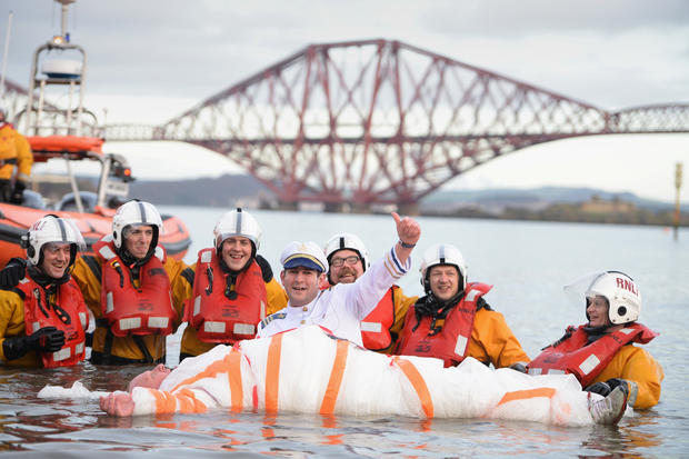 """""""Loony Dook"""" swimmers ring in 2014"""