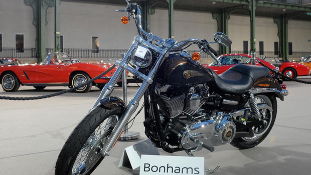 The 2013 harley davidson dyna super glide custom donated to pope