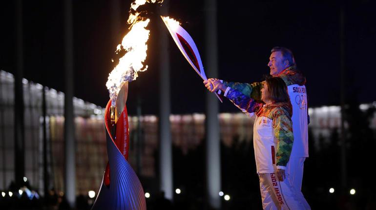 olympic-torch-ap827941012308.jpg