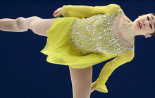 Yuna Kim wins Olympic short program after day of thrills and spills