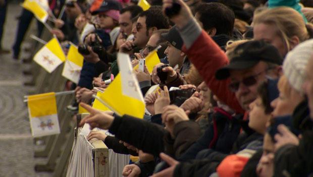 pope-crowds.jpg