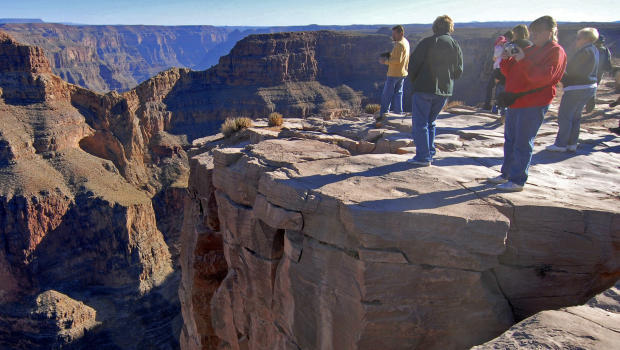 Texas Man Falls 350 Feet To His Death At Grand Canyon