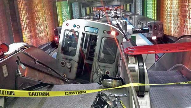位于芝加哥的火车脱轨,620.jpg