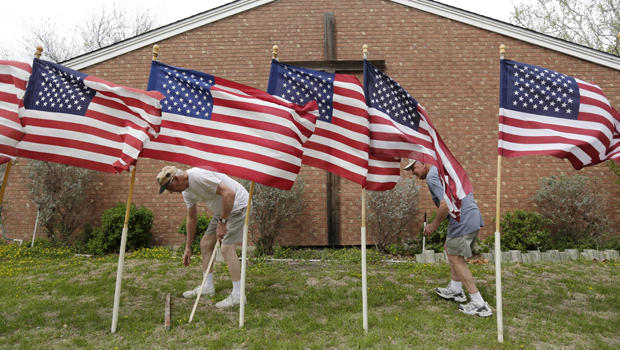 fort-hood-flags.jpg