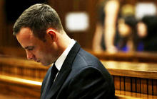 Prosecutors grill Oscar Pistorius at murder trial