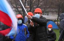 Pro-Russia mobs seize more ground in east Ukraine