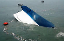 South Korea ferry evacuation was delayed, survivors say