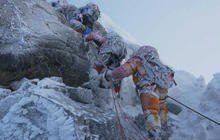 Mount Everest avalanche shows guides face dangerous risks