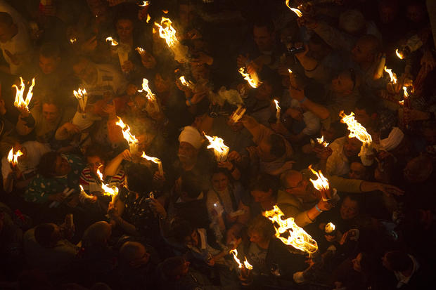 Thousands attend holy fire ceremony