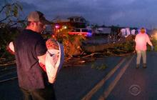Arkansas man rushes to aid tornado victims