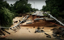 Deluge triggers widespread flooding in Florida