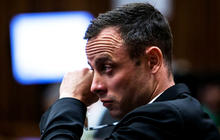 Pistorius murder trial: Defense tries to build case shooting was accident