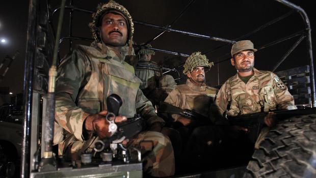 pakistan-troops.jpg