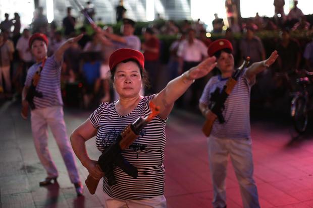China's gun dancers