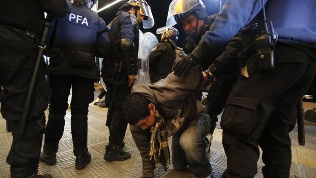 argentina-riot.jpg