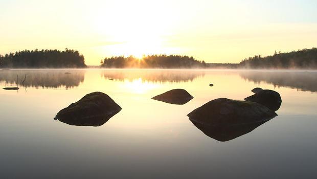 梭罗缅因州树林-620-lake.jpg