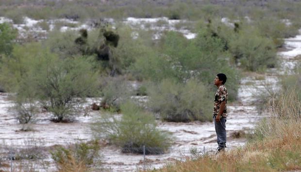 Flooding sweeps through Phoenix