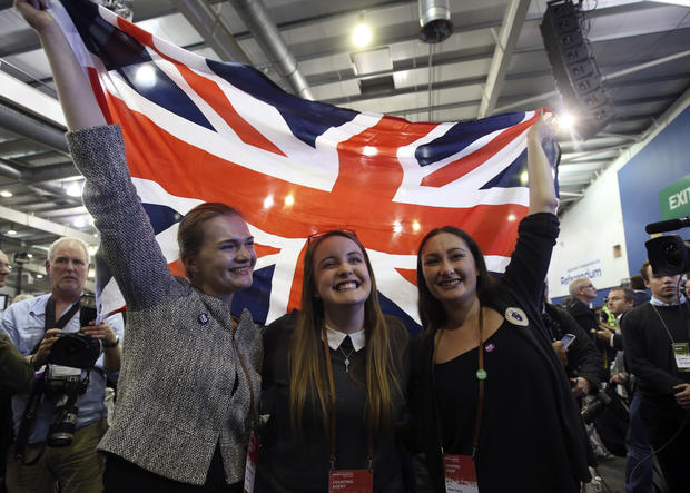 Scots reject independence